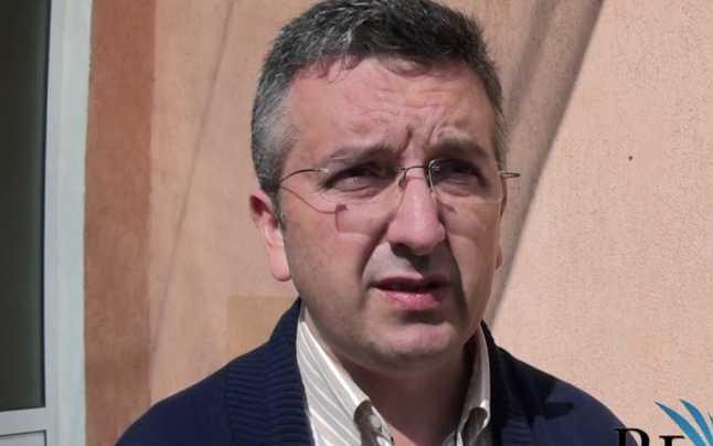 Noi schimbări la vârful instituţiilor din Alba: Guvernul numeşte noul prefect, veterinar cu simpatii PNL la conducerea DSVSA  Citeste mai mult: adev.ro/q2alu7